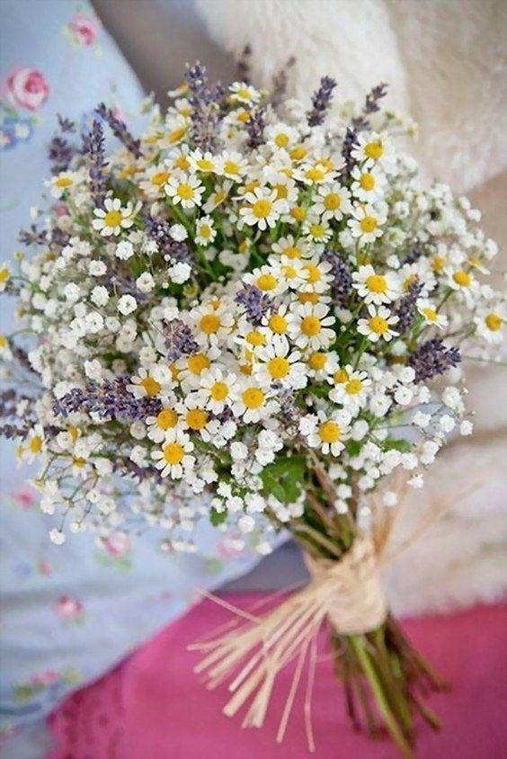 30 Ideen für die Integration von Kamillengänseblümchen in Ihre Hochzeit