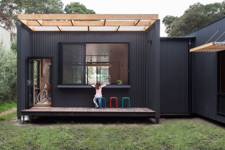 Sustainable prefab beach house in Blairgowrie – Sustainable Architecture with ...