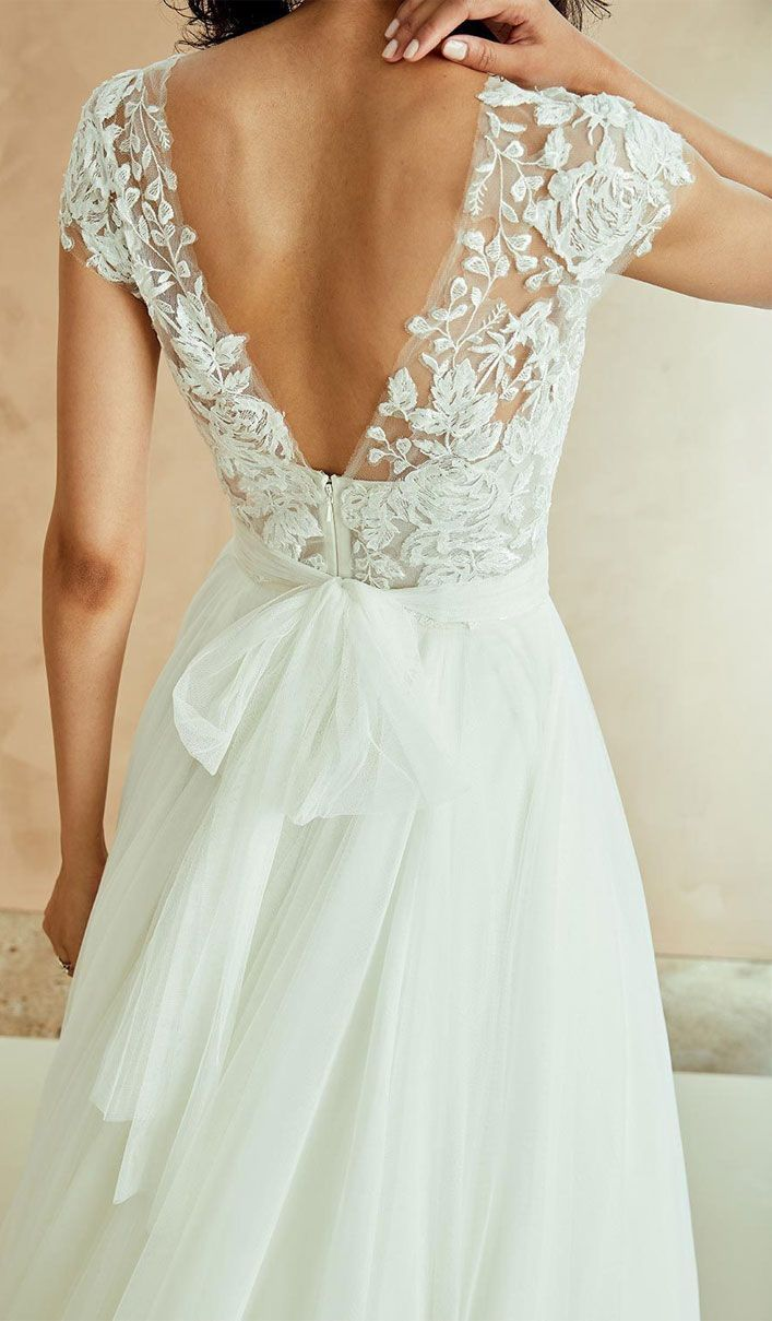 Wedding Dresses With Gorgeous Back Details - Unique wedding dress #weddingdress ...