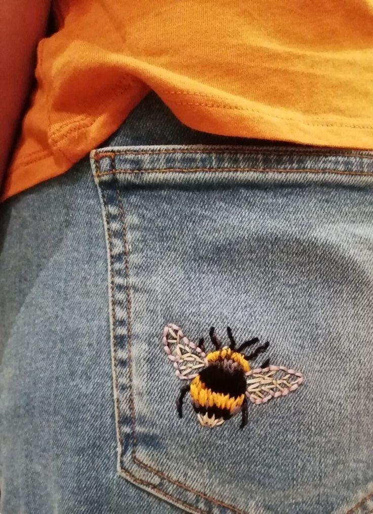 Bumble Bee Embroidery // DIY Denim Embroidery // Gestickte Jeans # Gestickt #bum...