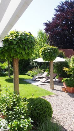 Clear lines and gravel in the garden, very cozy and tidy