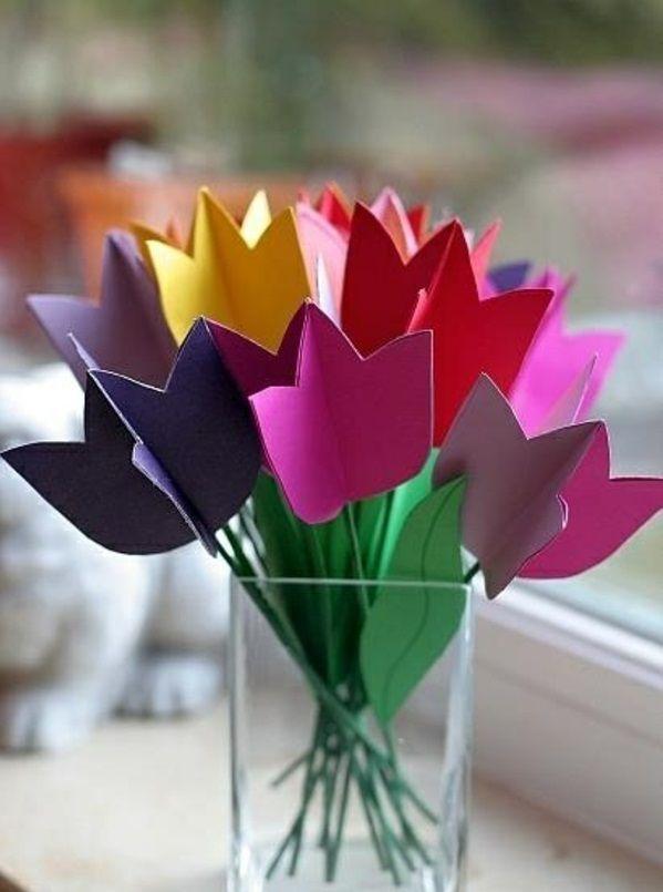 diy dekoideen frühlingsdeko basteln mit kindern farbige tulpen