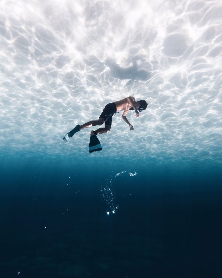 Fantastic Waves, Ocean and Underwater Photography by Nolan Omura #photography #u...