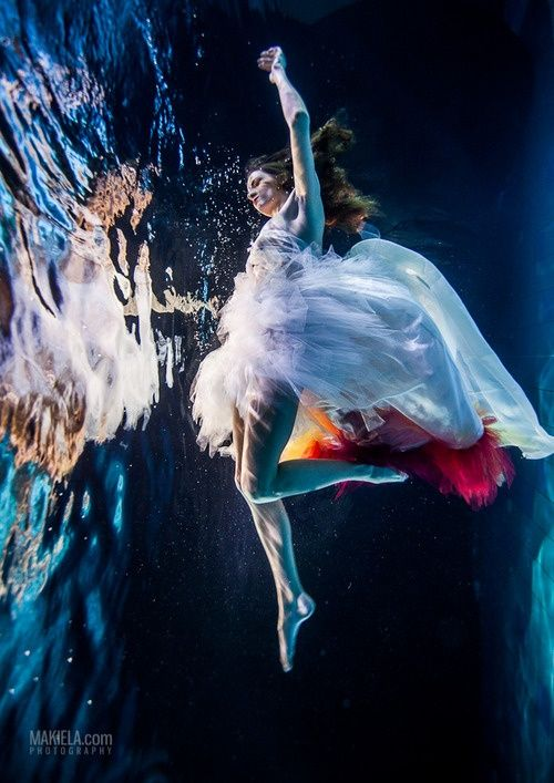 Fashion Photography Woman Underwater | underwater photography underwater movies ...