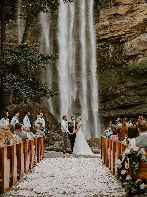 Mountain Wedding Photography Ideas #Weddings #Wedding Ideas #Wedding Photos #Photo ...