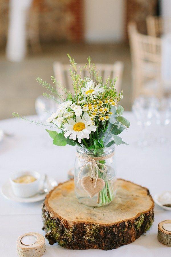 Natural Rustic Daisy Wedding www.camillaarnhol...