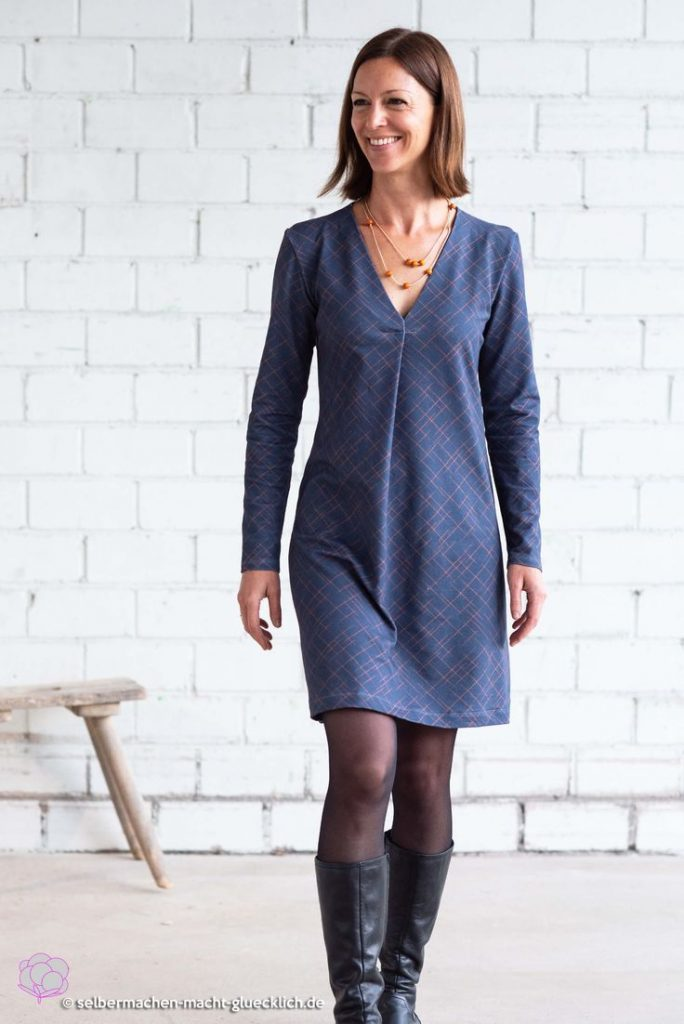 The perfect feel-good dress for festive occasions just sew it yourself! This ...