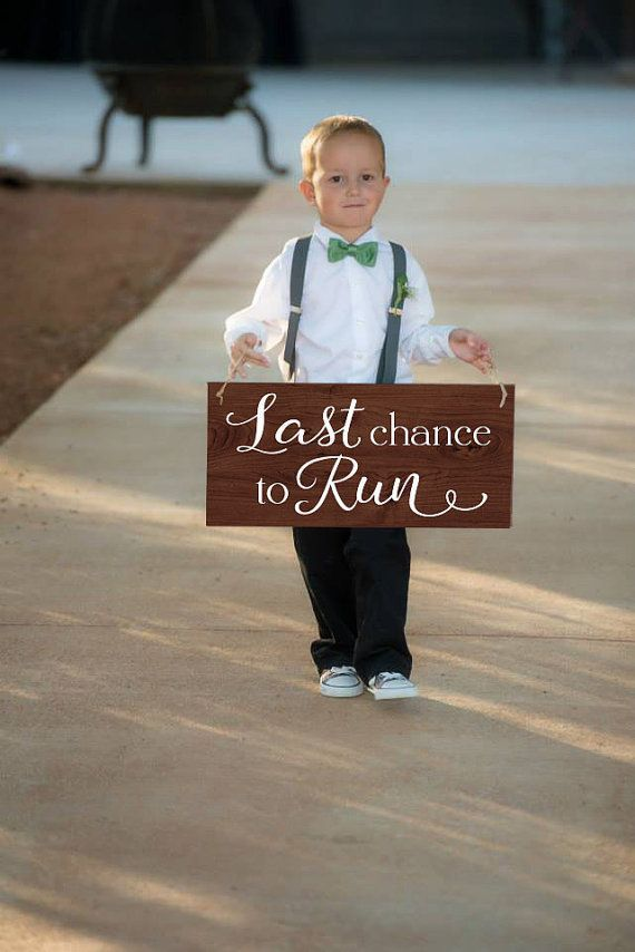 These rustic wedding ideas are perfect for your farmhouse barn wedding! Add thes...