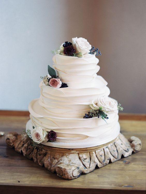 Twenty-five wedding cake that grows before the taste | #funfundzwanzig ...