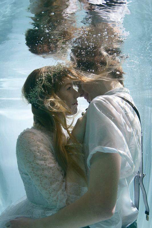 Underwater wedding by Rosie Anderson on www.funkywedding.fr #wedding #underwater...
