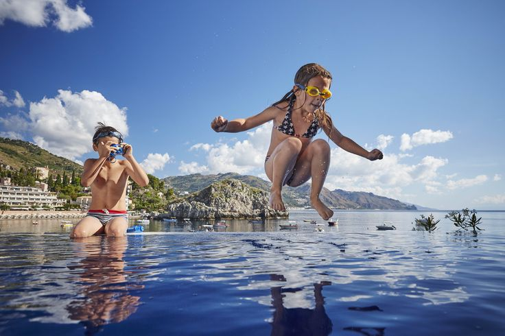 Splash! Capture fun moments in our infinity pool with a kid-friendly underwater ...