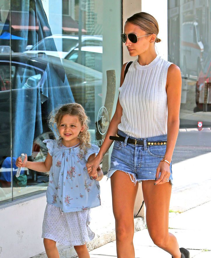 Harlow Madden, certified heart thief, hanging out with mom Nicole Richie. The Be...