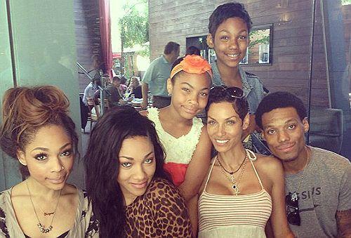 Nicole Murphy  and kids via Black Celebrity Kids...