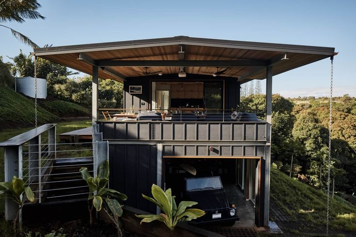 LifeEdited Maui Sustainable Small Space House Design | Apartment Therapy...