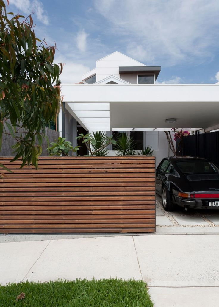 How a horizontal wooden fence affects the landscape and decor around it ...