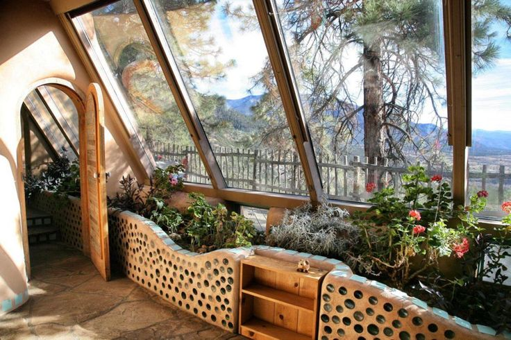 Self-sufficient house - This house supplies its inhabitants by its own power - ☼  œ ...