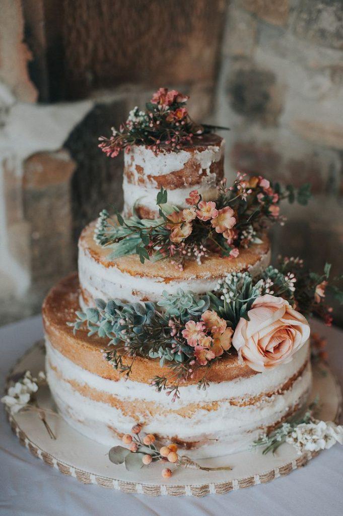Semi-Naked Wedding Cake with Fresh Flowers - #Flowers #fresh #Back Naked #H ...
