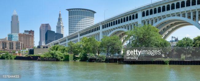 Stock Photo : Landscape image of Cleveland skyline and bridge    Outline Photo |...