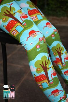 Sewing leggings is not difficult. But on the contrary. They sew so fast ...