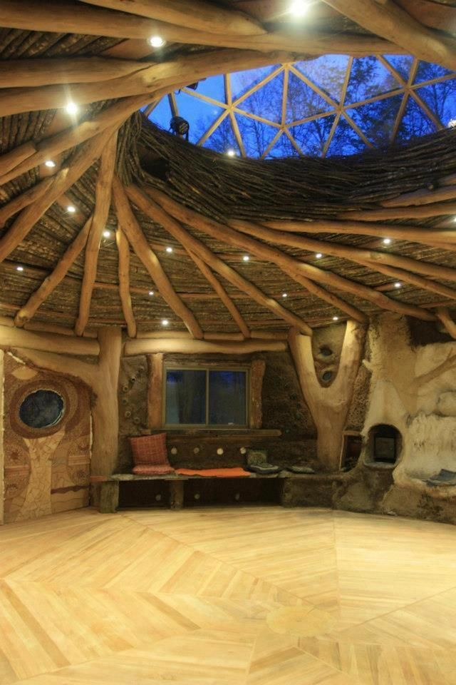 Fantastic! You can live well under such a roof ....