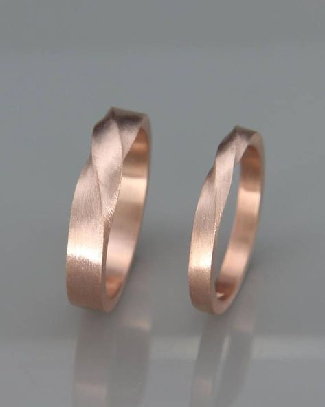 Rose Gold Mobius Wedding Band Set | His and Her Mobius Ring Set in 14k Rose Gold | Mobius wedding ring set